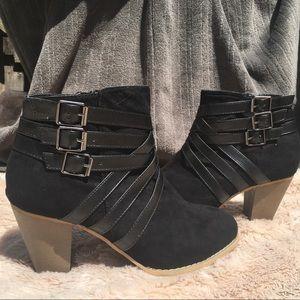 Rue21 Etc Black Heel Boots M 7/8